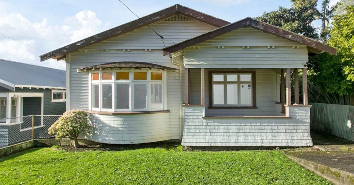 Нам не понять! Ужасный дом в Новой Зеландии продан за бешеные деньги