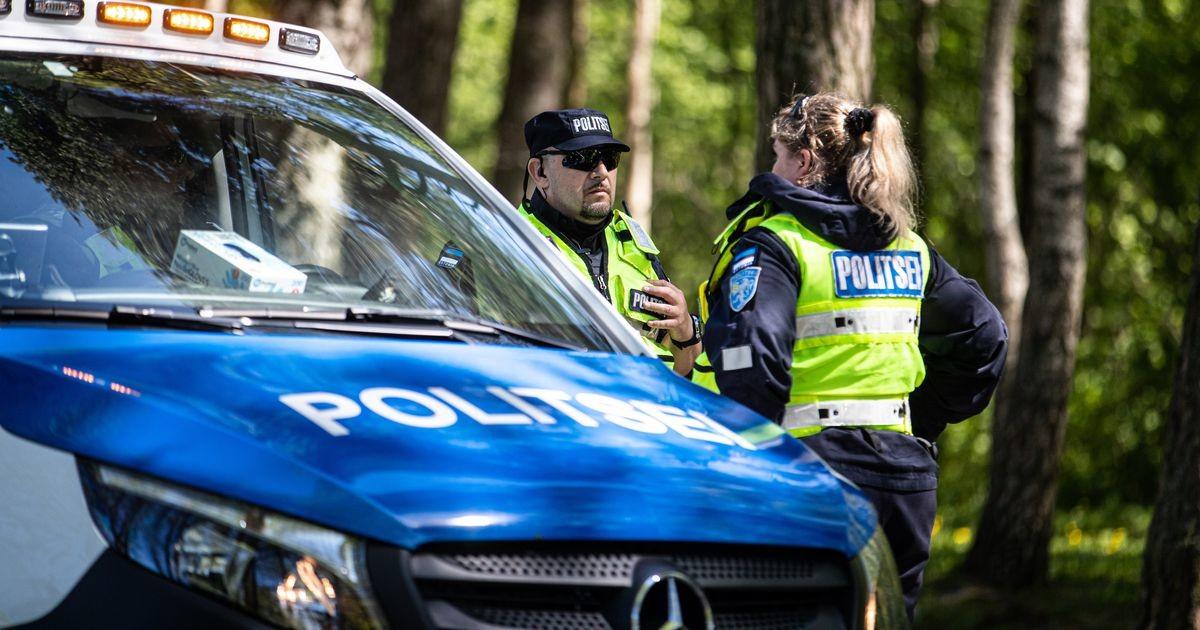 В Таллинне велосипедистка попала под машину