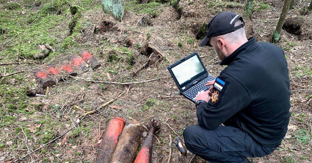 Спасатели предупреждают: в лесах и на полях людей поджидает серьезная опасность