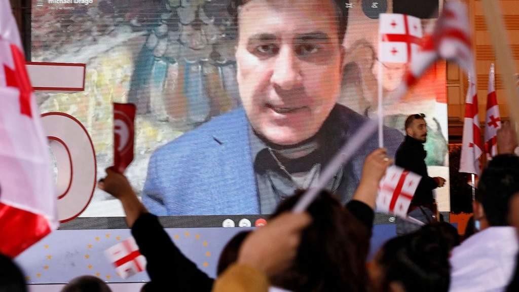 В Грузии создали движение за «мирное возвращение» Саакашвили