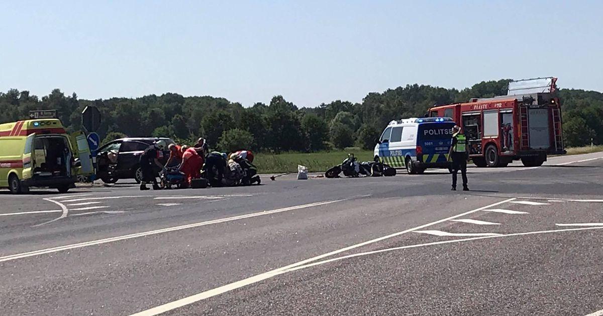 Тяжелое ДТП на шоссе: мотоциклист пострадал при столкновении с автомобилем