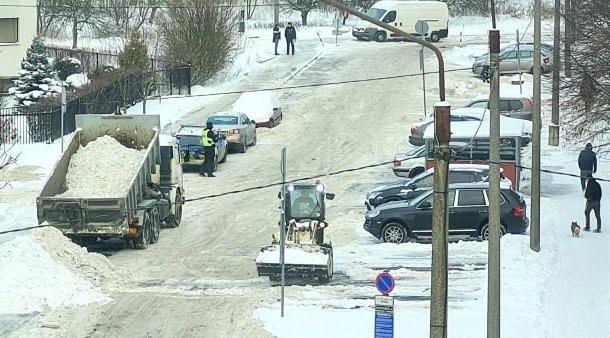 Уборка снега в Ласнамяэ: Муниципальная полиция пока ограничивалась предупреждениями