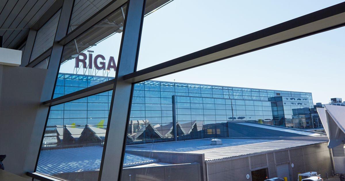 В аэропорту Риги более 500 пассажиров не попали на рейсы из-за неправильных ковид-документов