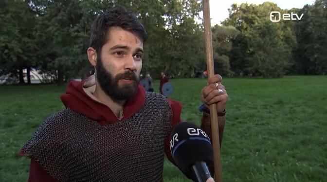 В Тарту энтузиасты каждую неделю устраивают битвы викингов