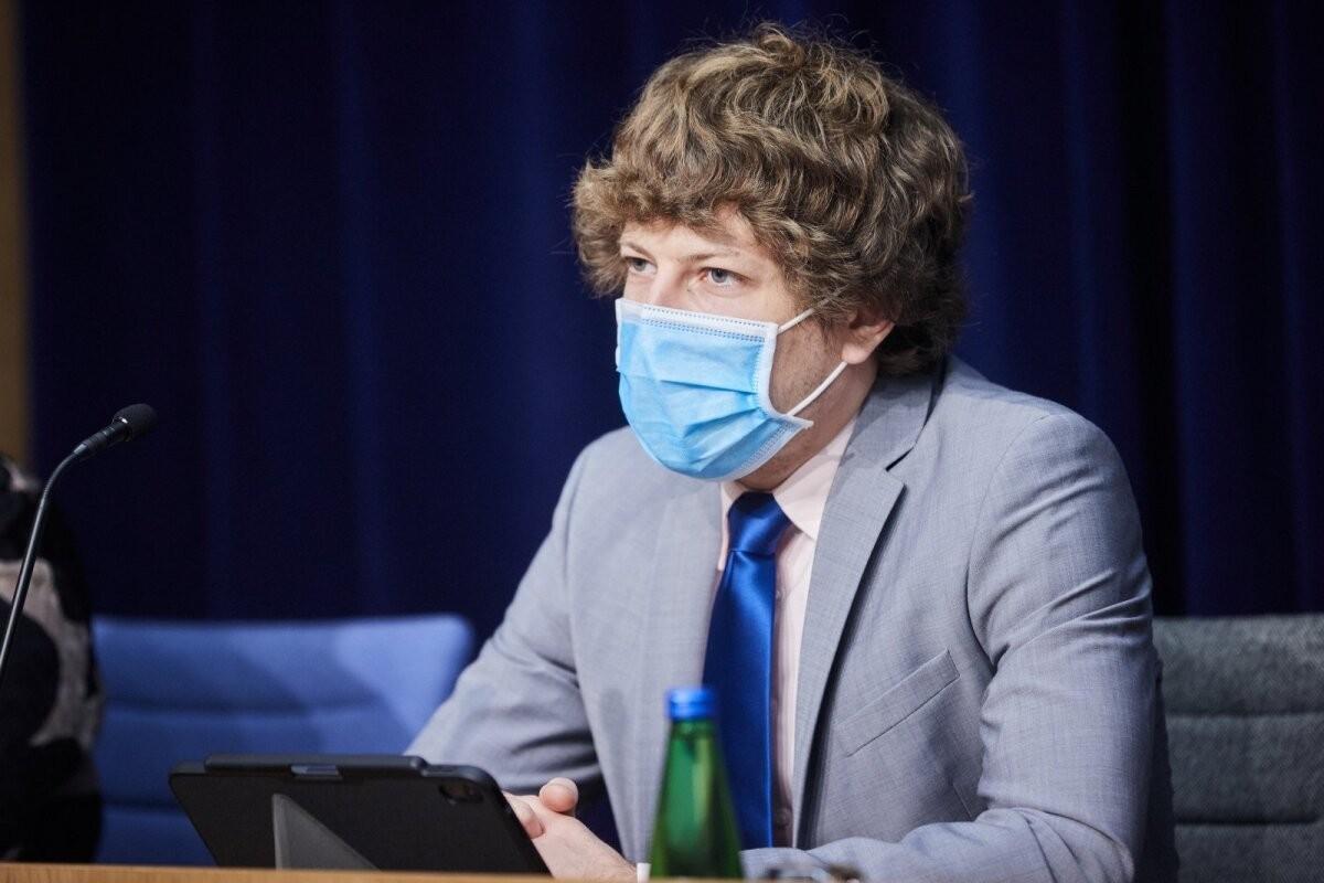 Кийк: для вакцинированных может быть отменено требование носить маску