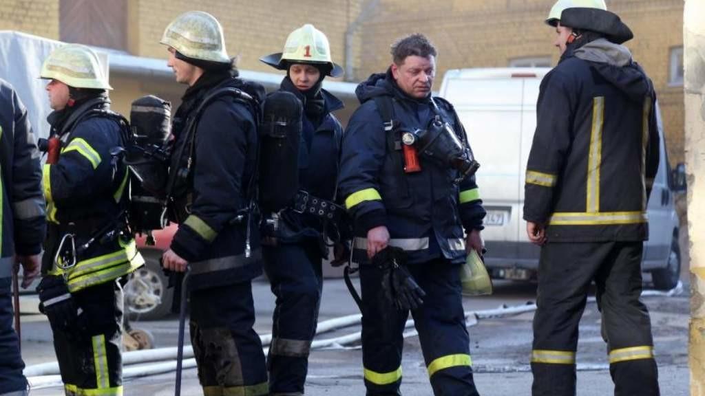 Завтра пожарные выйдут к Сейму: мы выгораем, перерабатывая, а вы — увольнять?