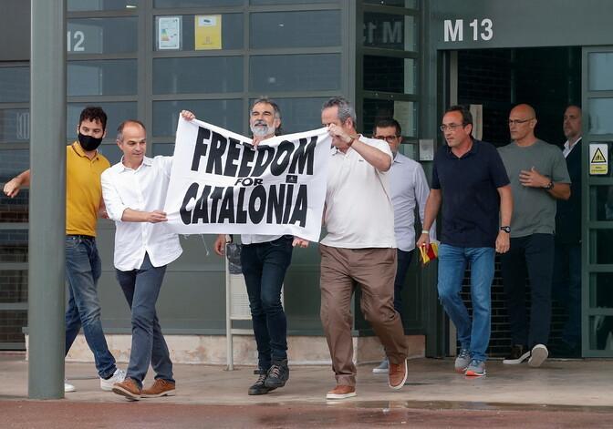 Лидеры каталонских сепаратистов вышли на свободу