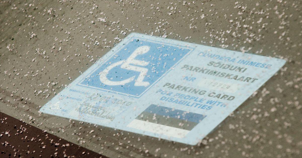 Половина тех, кто паркуется на местах для инвалидов, на самом деле являются здоровыми людьми