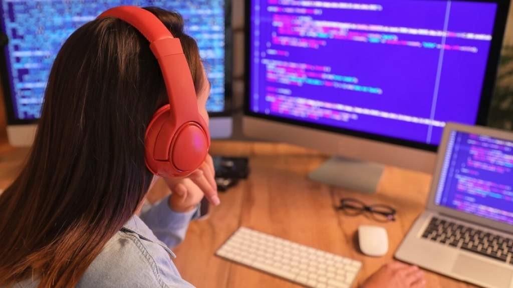 Россиянки стали абсолютными победителями олимпиады для девочек по информатике