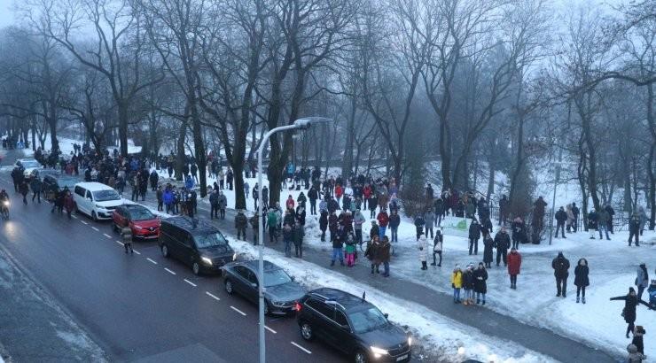 ФОТО | Жители Эстонии проигнорировали просьбу не приходить на поднятие флага