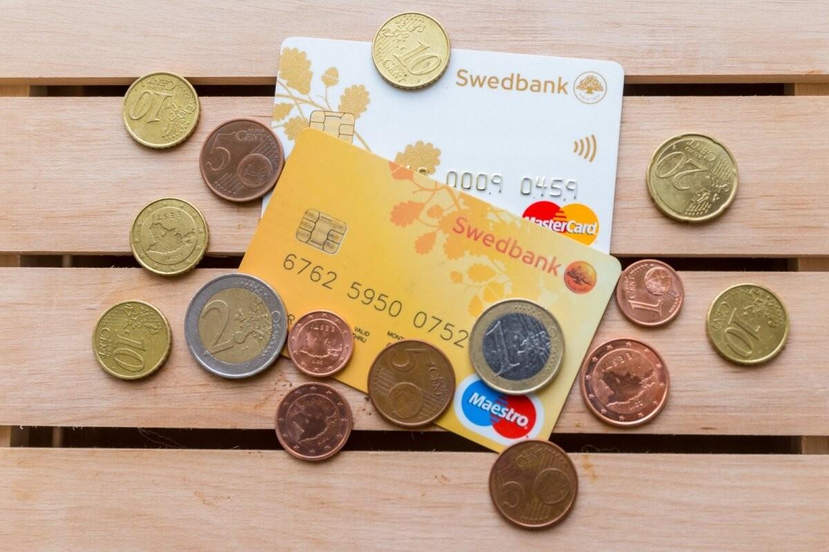 Как не дать банковским мошенникам себя обмануть? Swedbank выпустил видео о проблеме, из-за которой жители Эстонии теряют тысячи евро