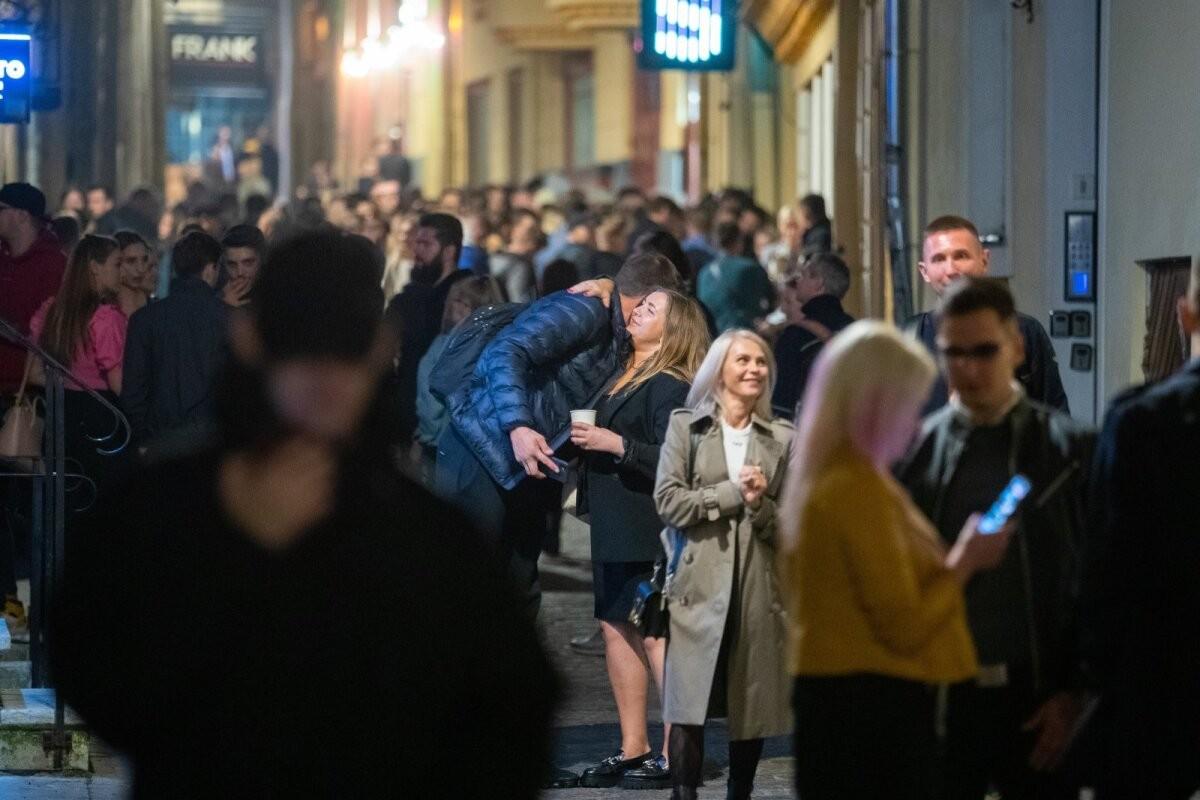 ФОТО | Пенсионные накопления пошли в ход? Смотрите, как в пятницу народ отрывался в Таллинне