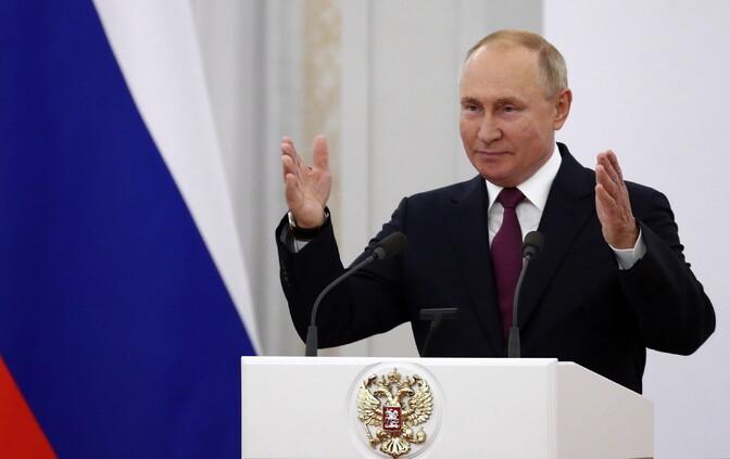 Опрос: только 32% российской молодежи поддерживают переизбрание Путина президентом