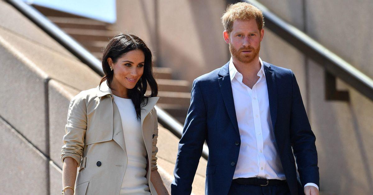 Соседи Меган Маркл и принца Гарри бросились распродавать свои дома