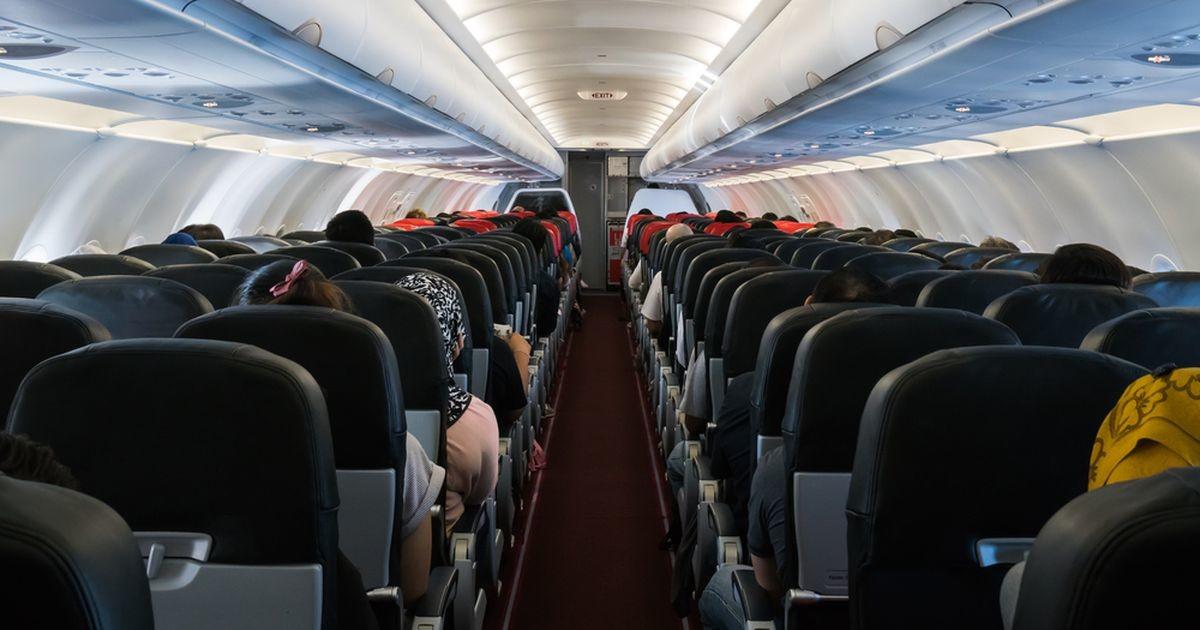 Исследования: риск заразиться коронавирусом на борту самолета почти отсутствует