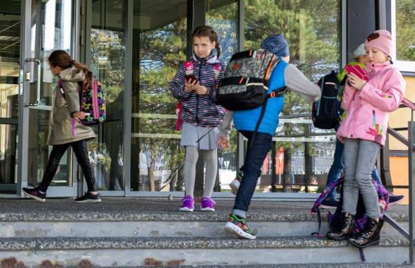 Министерство образования: каникулы лучше провести в Эстонии